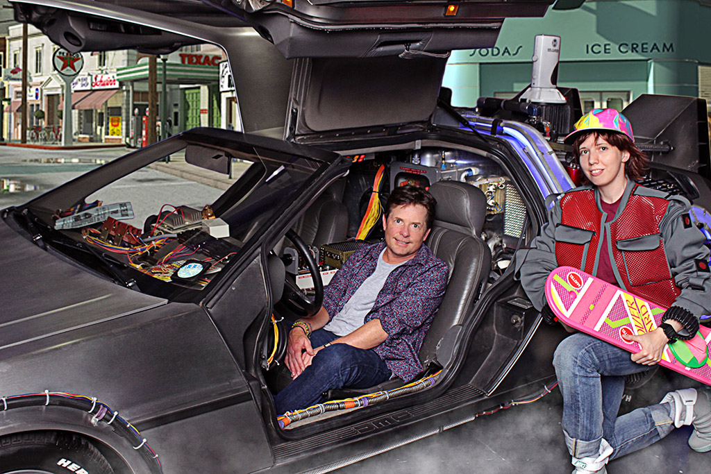 Michael J Fox meeting a Fan sat in the BTTF Car DeLorean Time Machine at his 1st even comic con